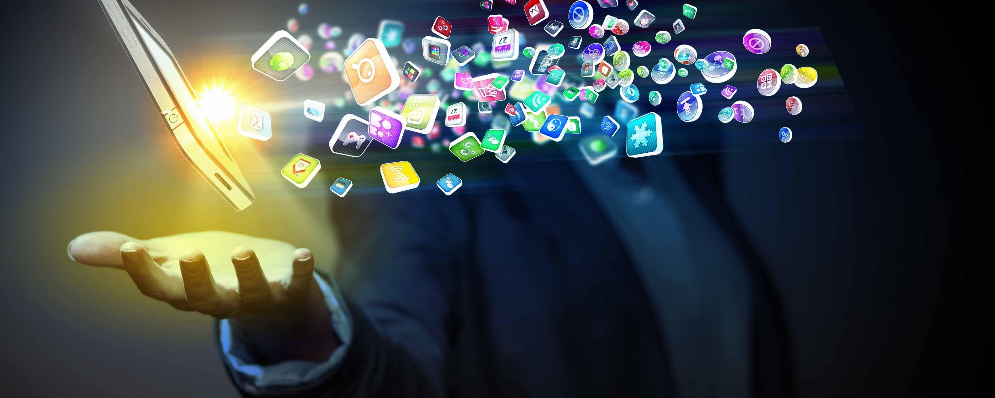 Il pollice e il cannocchiale: scenari mobili dopo l'eclisse delle app