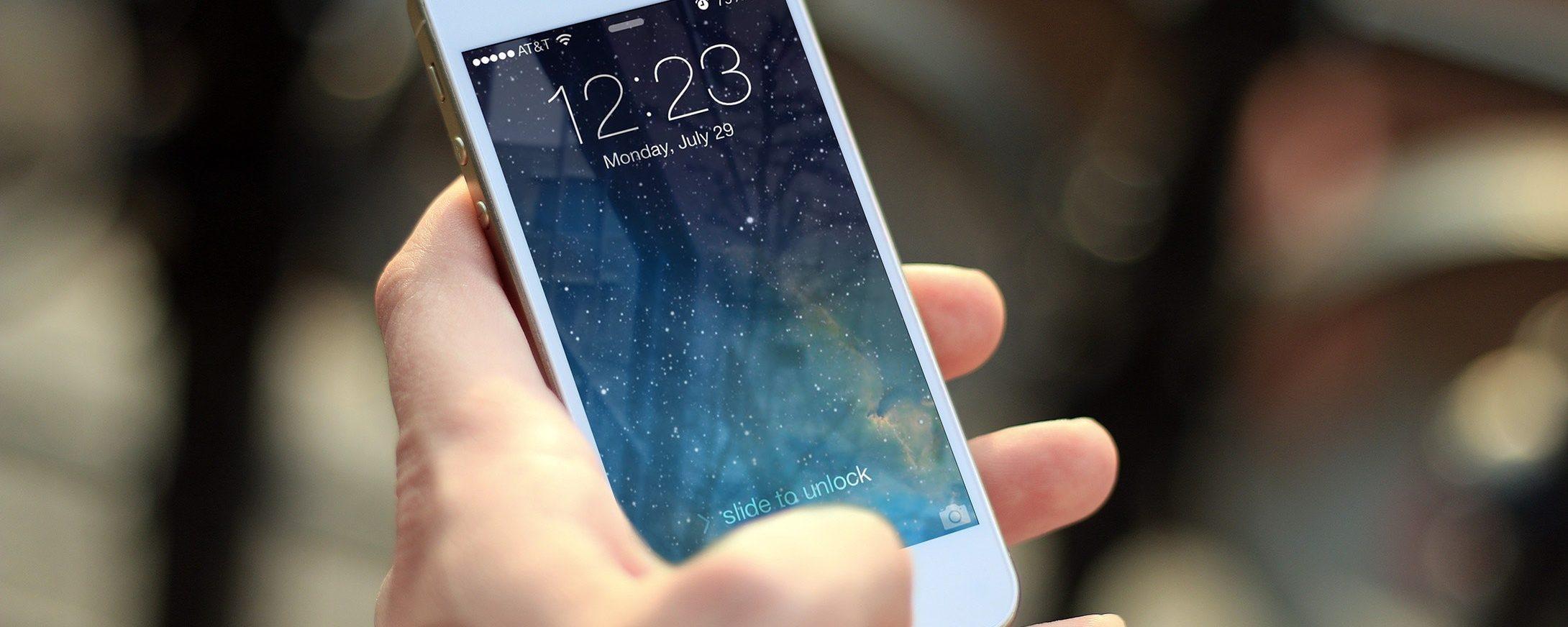 Smartphone sotto inchiesta: Samsung e Apple accusate dall'antitrust