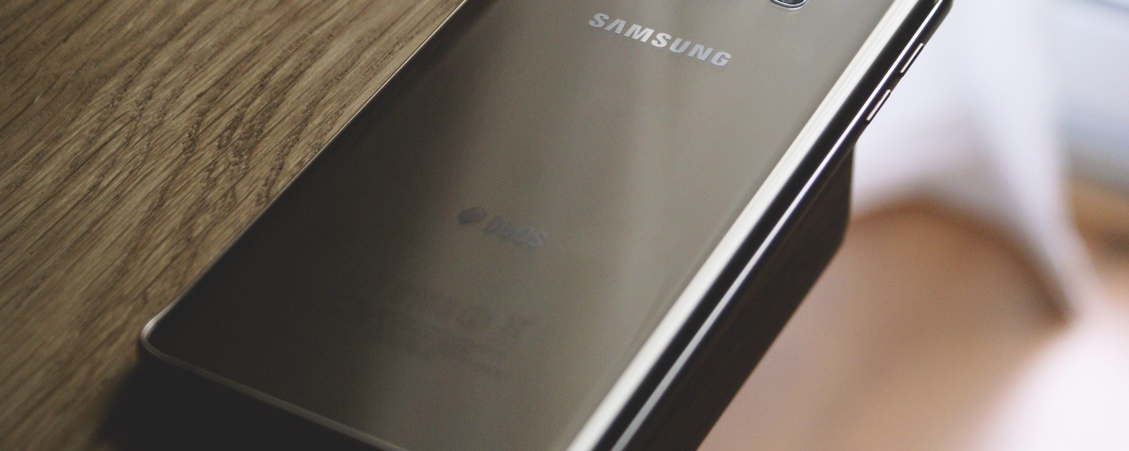 Samsung presenterà il suo smartphone pieghevole nel 2019
