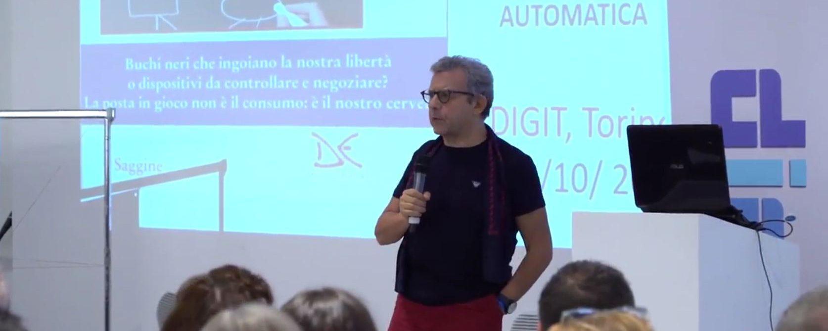 Performance di Michele Mezza all'edizione del 5 ottobre di Digit: il giornalismo senza tempo su Facebook